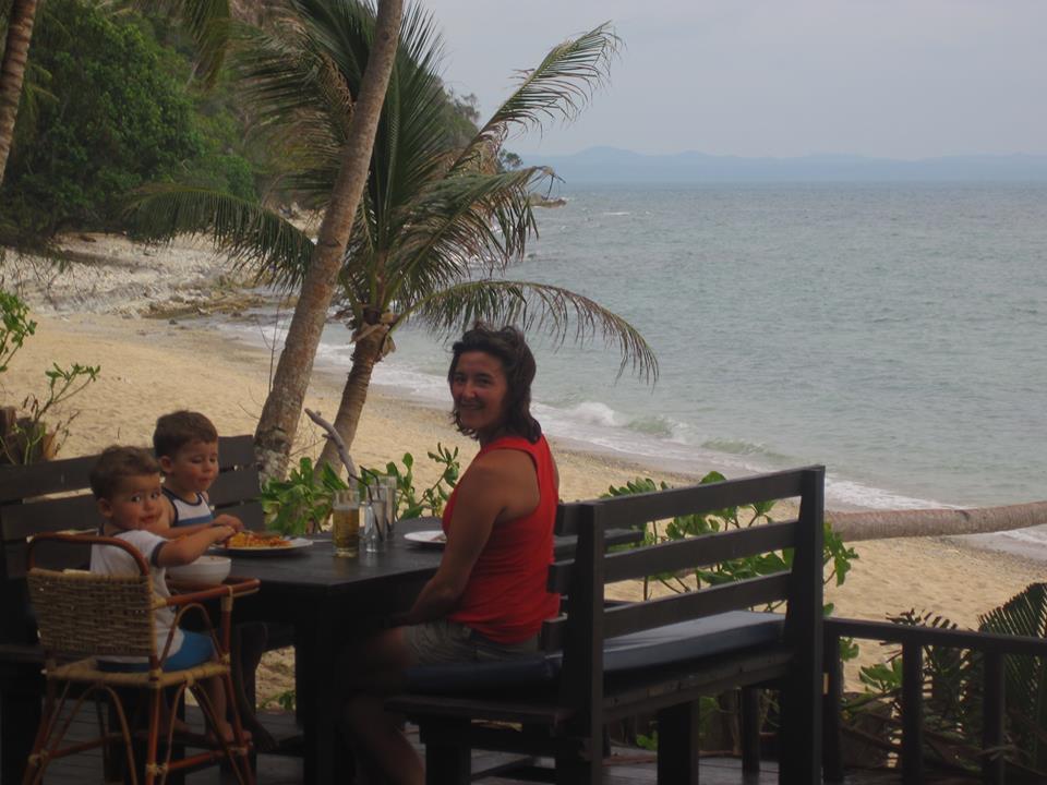 beach-dinner-gerri